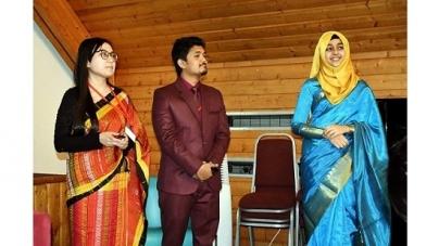 অক্সফোর্ডে পড়তে গেলেন ড্যাফোডিলের তিন শিক্ষার্থী
